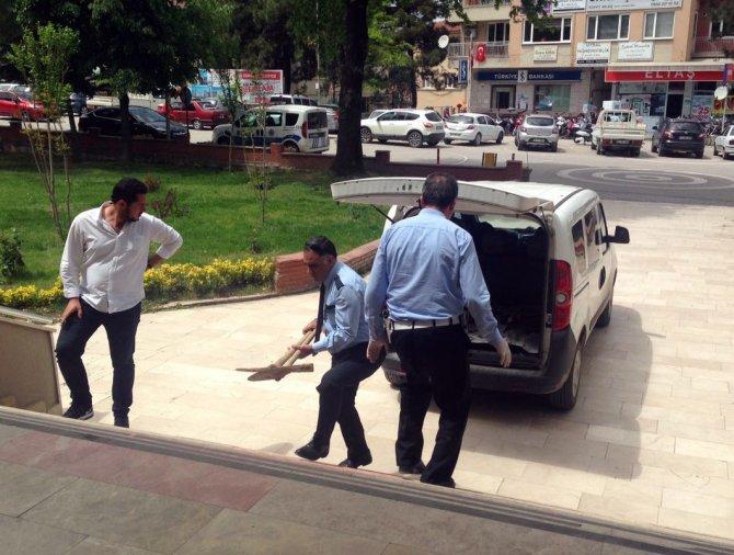 OSMANELİ'DE POLİSLERDEN DEFİNECİLERE SUÇÜSTÜ