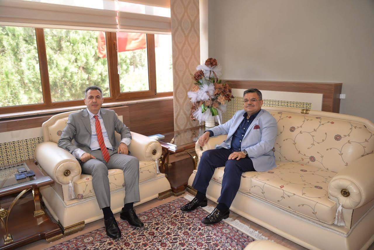 BAŞKAN YAĞCI'DAN VALİ ELBAN'A VEDA ZİYARETİ