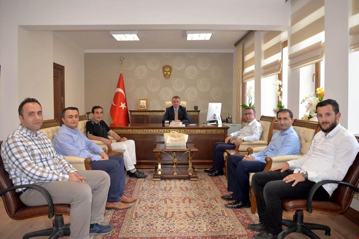 KOCAELİ'LİLER VALİ BÜYÜKAKIN'I YALNIZ BIRAKMIYOR
