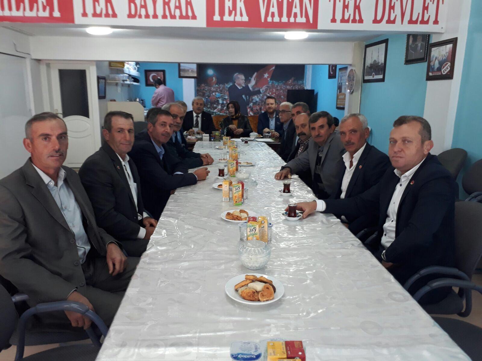 AK PARTİ OSMANELİ İLÇE TEŞKİLATINDAN MUHTARLARLA İSTİŞARE TOPLANTISI