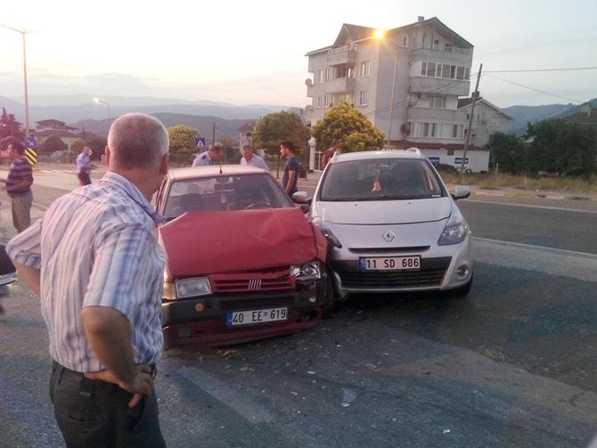 Lojmanlar mevkiinde trafik kazası