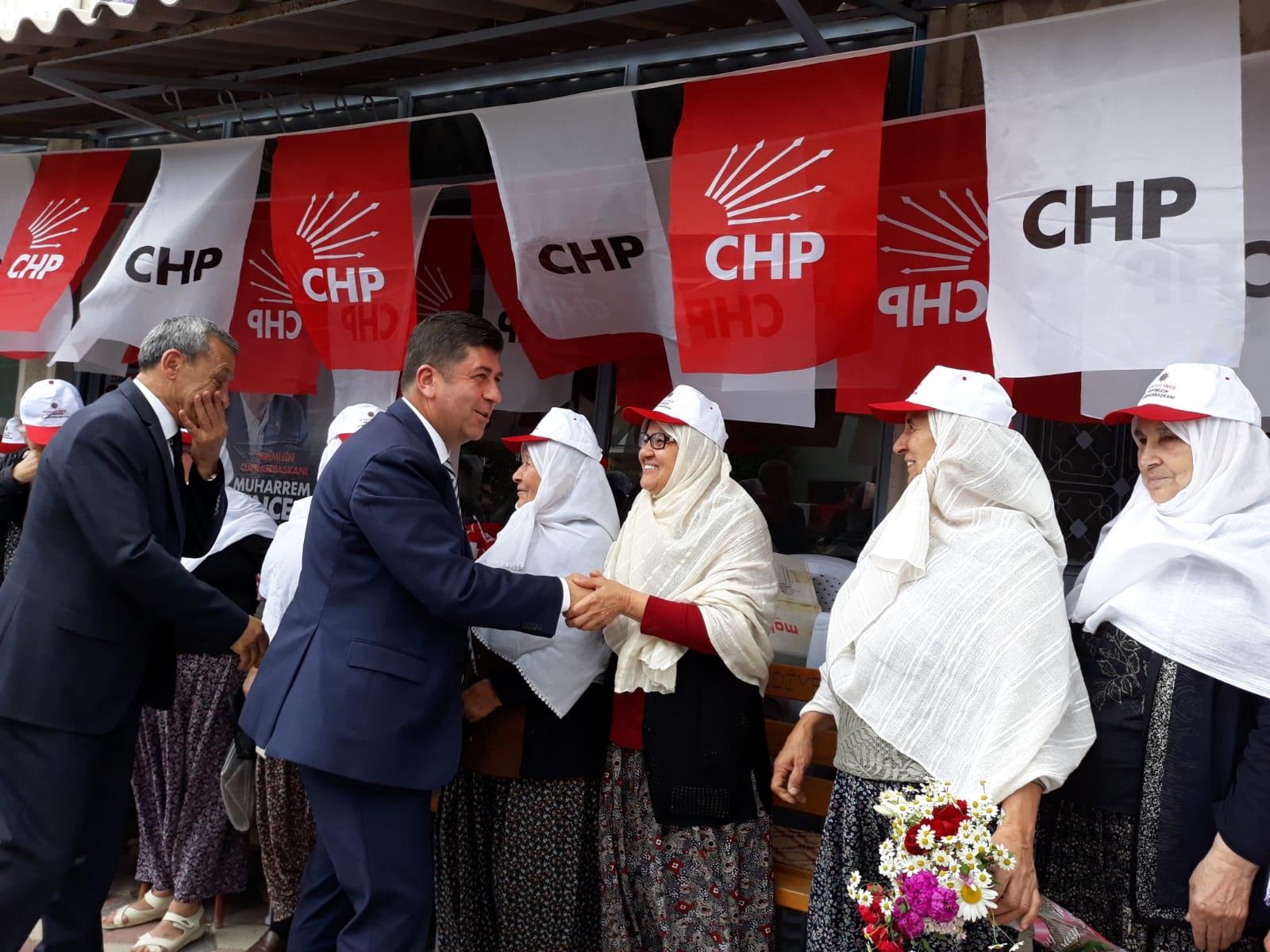CHP'DEN GÖLPAZARI VE YENİPAZAR'DA GÖVDE GÖSTERİSİ