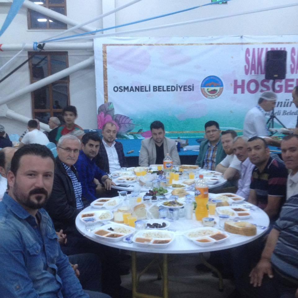 AVCILAR İFTARDA BİR ARAYA GELDİ.jpg