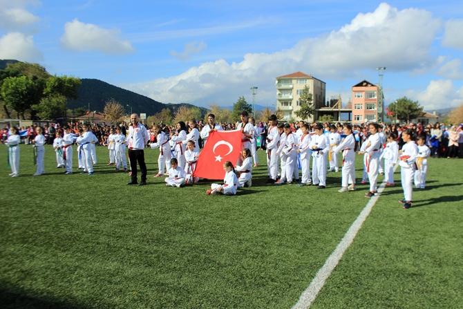29-ekim-cumhuriyet-bayrami-coskuyla-kutlandi-(1).jpg