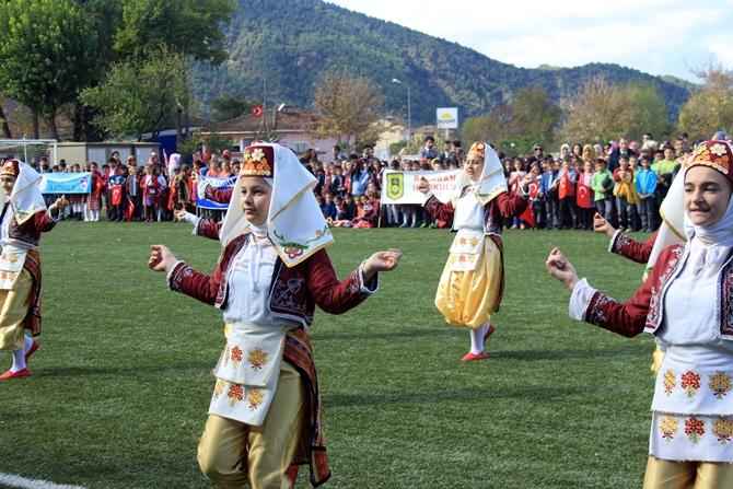 29-ekim-cumhuriyet-bayrami-coskuyla-kutlandi-(2).jpg