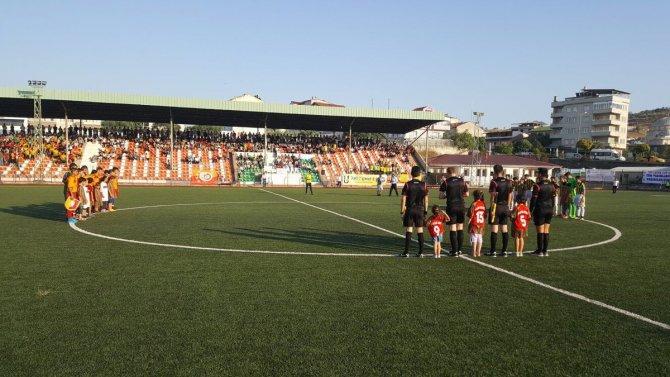 Lefke U15 Cup İyiki Varsın Eren Pankartı