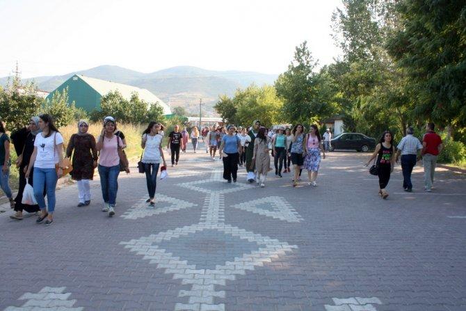 misafir-ogrenciler-osmaneliye-hayran-kaldi-(4)-002.jpg