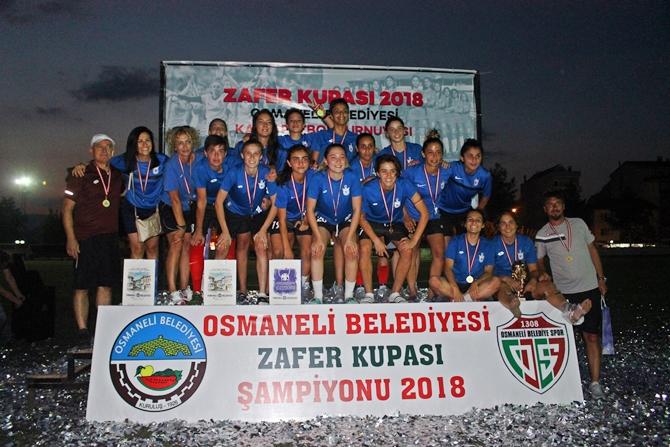zafer-kupasi-2018-kadin-futbol-turnuvasi-(1).jpg