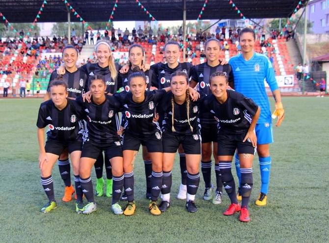 zafer-kupasi-2018-kadin-futbol-turnuvasi-(9).jpg